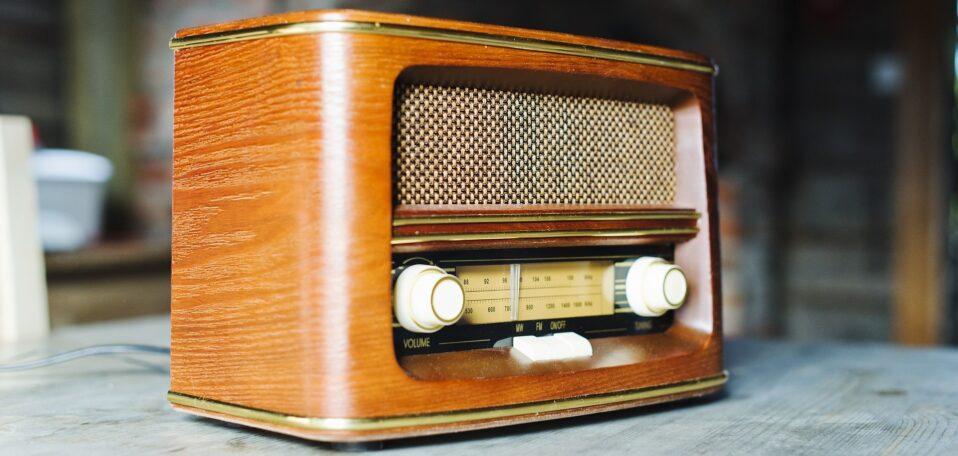 Altes Radio zum Hören unseres Podcastes