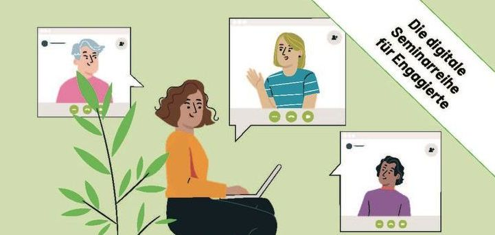 Eine Frau im Homeoffice mit Laptop; sie spricht mit anderen Teilnehmenden per Videokonferenz